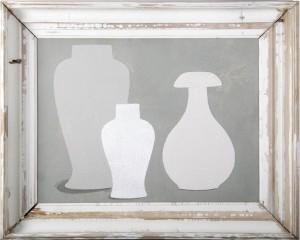 3 vases in grey