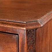 18th century Mahogany knee-hole desk-7