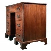 18th century Mahogany knee-hole desk-8
