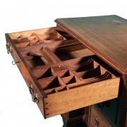 18th century Mahogany knee-hole desk-9