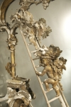 A Rare Rococo-revival gilt wood mirror after a design by Thomas Johnson - 08