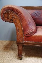 An oak framed Railway sofa - 5