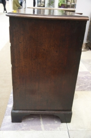 mahogany-chest-of-drawers-with-brushing-slide-6