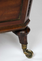 Regency mahogany cellarette5.jpg