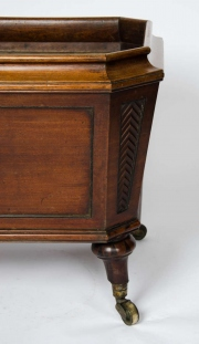 Regency mahogany cellarette8.jpg