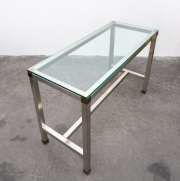 Stainless-steel-console-by-David-Hicks10